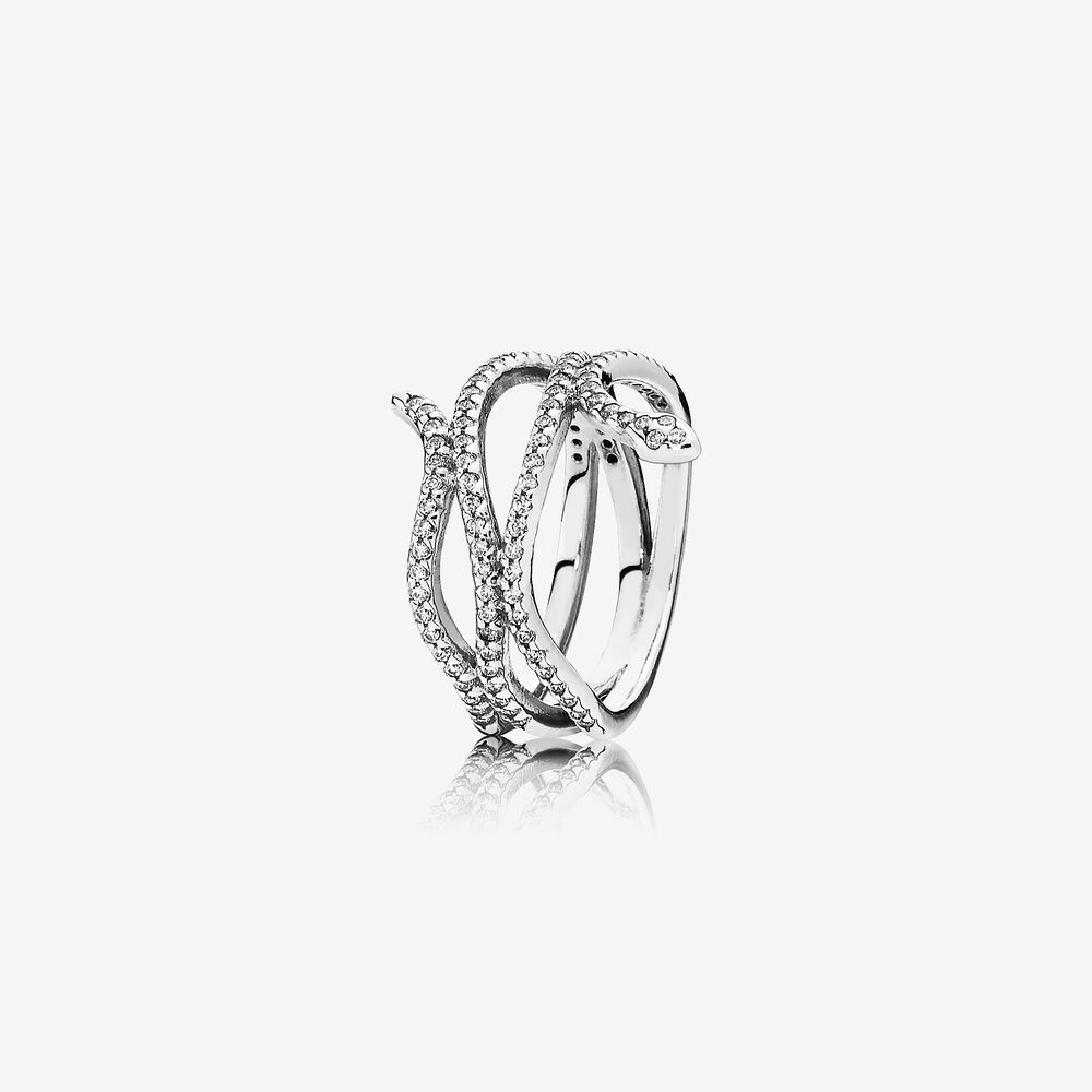 anello serpente pandora indossato